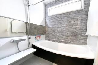 浴室暖房乾燥機は雨の日の乾かなかった洗濯物がその日のうちに乾かせる奥様の強い味方です。