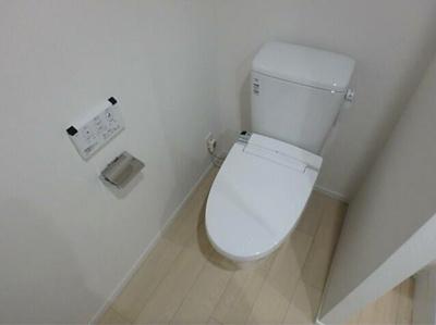 【トイレ】LUORE三宿 新築 浴室乾燥機 南向き ネット無料賃貸