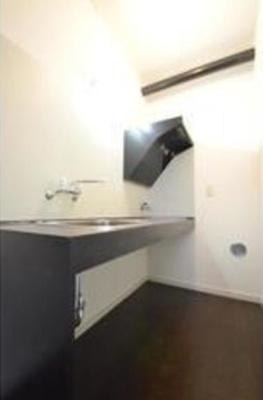 【キッチン】バウムハウス 洋室17帖 独立洗面台 バストイレ別