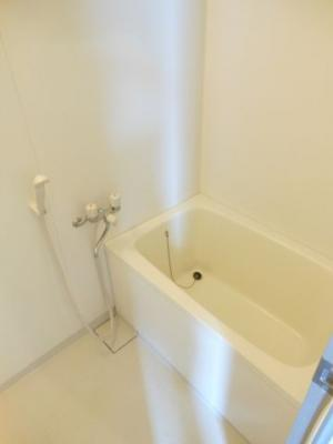 【浴室】バウムハウス 洋室17帖 独立洗面台 バストイレ別