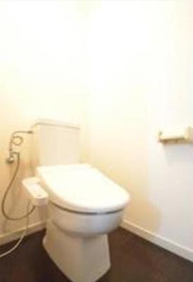 【トイレ】バウムハウス 洋室17帖 独立洗面台 バストイレ別