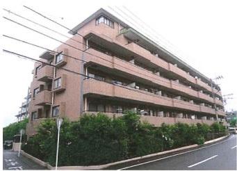 1994年12月築  6階建て全49戸 1階部分に位置する中古マンションです。