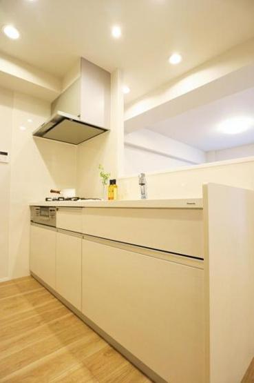使いやすいキッチンです 小さなお子様のいるご家庭に人気の対面式キッチン