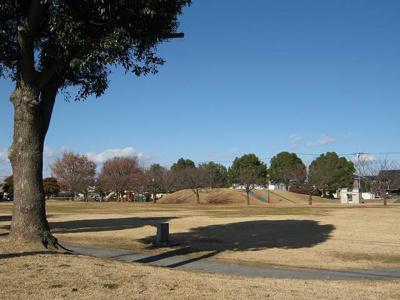 富塚公園まで180m