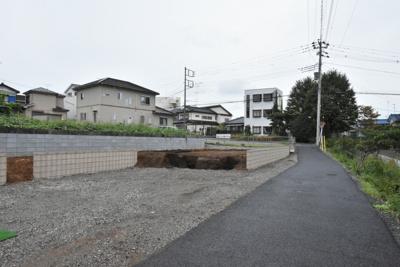 【前面道路含む現地写真】鴻巣市大間 新築一戸建て全2棟