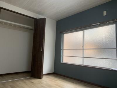 2階洋室(6.0帖):こちらのお部屋にはクローゼット収納がございます。