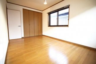 《洋室7.5帖》2階の寝室はどのお部屋にもクローゼットがあります。広いお部屋が更に広く使えますね。