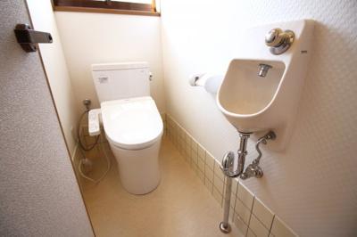 トイレは1階と2階にありとても便利です。わざわざ違う階まで行かなくても良いので助かります。