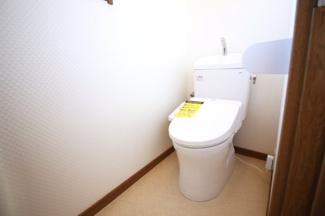 【2Fトイレ】トイレが2ヶ所にあり忙しい朝の時間に順番待ちの心配はありません