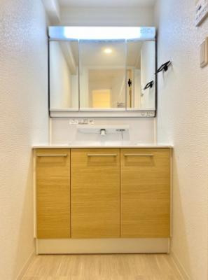 大森ハイツの独立洗面台です。