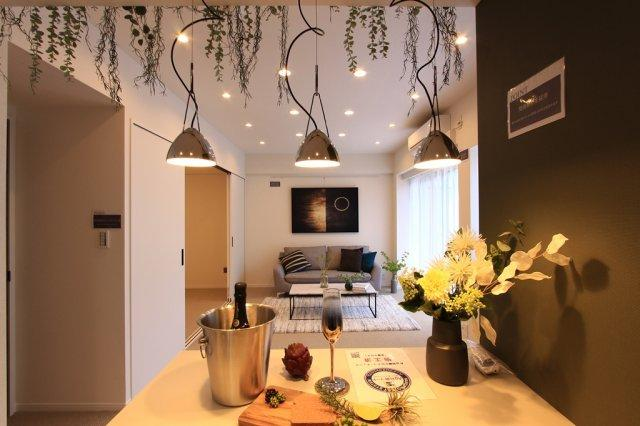 是非ご内見頂きたい「湘南台パーク・ホームズ2番館 303号室」家具・家電を配置しておりますので、実際に住んだ生活シーンを具体的にイメージしやすいお住まいです。ぜひ当社までお気軽にお問合せ下さいませ。