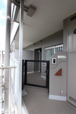 共用スペースはとてもきれいに管理されております。H8年に建てられた「プランヴェール鶴巻」利便性も高くとても暮らしやすいエリアです。