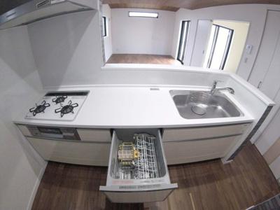 浄水器、食器洗浄乾燥機付きカウンターキッチン!