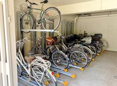 東亜パークサイドキャッスルの駐輪場です。