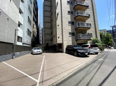 東亜パークサイドキャッスルの駐車場です。