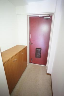 シューズボックスがあり玄関は広く使えますよ