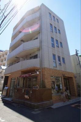 平成27年3月築の「駅近」マンションです。