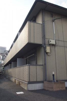 東急東横線・「武蔵小杉駅」・徒歩13分のマンションです。
