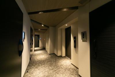 ホテルライクな内廊下です