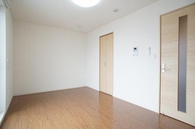 広い洋室はいいですよ