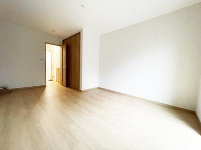 個人の部屋や寝室として使える洋室です ゆったりしています