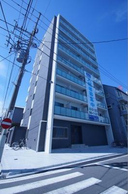 最寄り駅から徒歩3分の駅近・築浅マンションです。