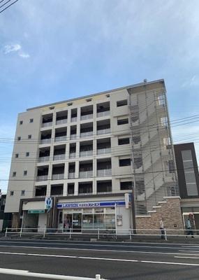 高田駅徒歩1分のマンションです。