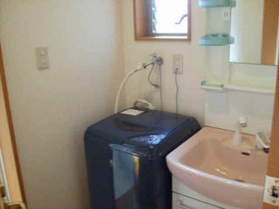 室内洗濯機置き場・洗濯機はついておりません