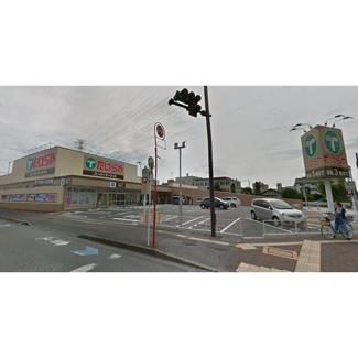 スーパー「たいらや城東店まで837m」