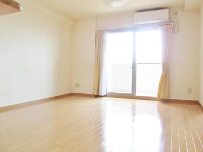 【居間・リビング】ローレルコート古市5番館