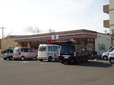 セブンイレブン岸和田小松里町店まで315m
