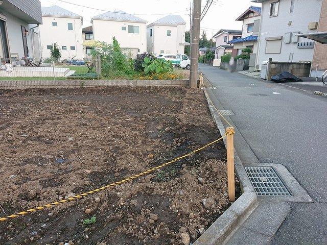 今からどんな庭にするか想像すると楽しいですね。