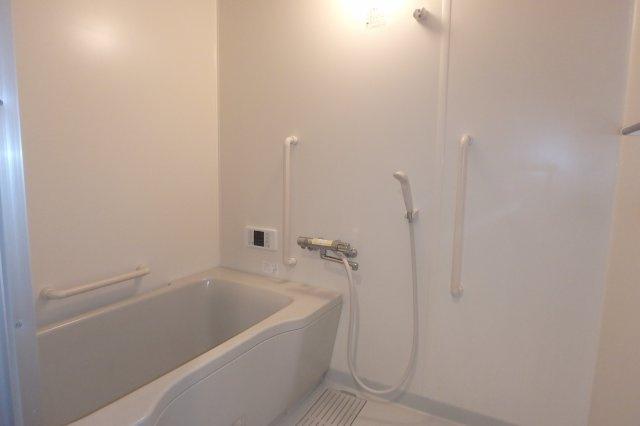 【浴室】両度町特定公共賃貸住宅