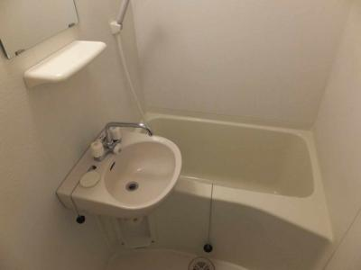 お風呂・トイレ別になります