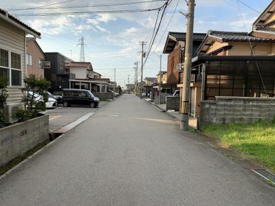 【前面道路含む現地写真】坂尻町土地