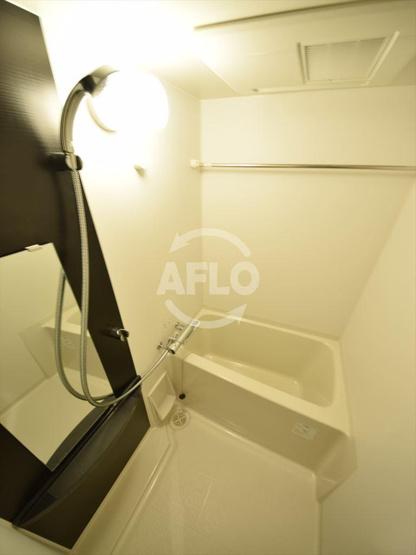 エスリード難波グレイス 浴室暖房乾燥機つき