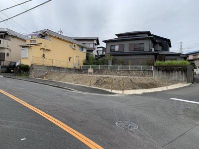 【前面道路含む現地写真】高槻市日吉台三番町 A号地