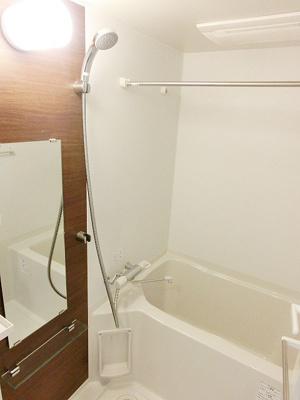 浴室乾燥機付きで雨の日も安心☆