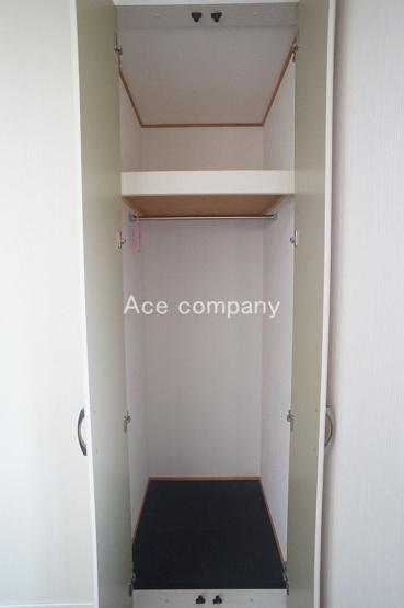 【2階:東側洋室6帖】のクローゼットです♪