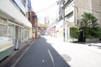 南本町武田ビル 前面道路