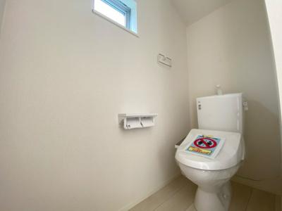 (写真は1号棟)1Fと2Fにトイレがあります