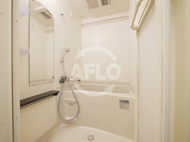 プレサンス谷町九丁目駅前 築浅ならではの清潔なバスルーム
