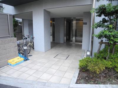 【エントランス】宮庭東新宿ビル