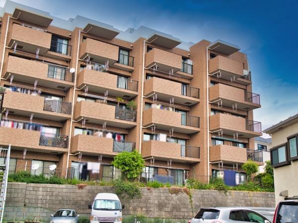 最上階 ルーフバルコニーは多目的にご使用いただけます 陽当り・通風・眺望良好 戸建て感覚のメゾネット 住宅ローン減税適合物件