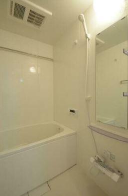 【浴室】豊島区目白3丁目戸建・併用賃貸