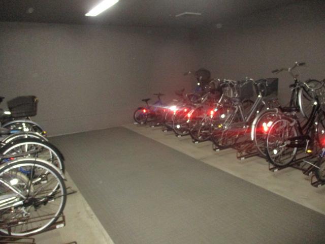 【駐輪場】サーパス御茶園通り 3階