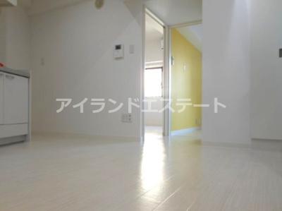 【居間・リビング】ハピネス池尻 礼金0 2人入居可 浴室乾燥機 オートロック