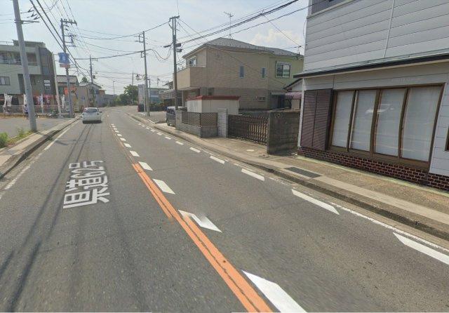 南側8.5メートル県道に9.54メートル接道しています。バス停「金目駅」まで徒歩1分!通勤通学も便利な立地です。
