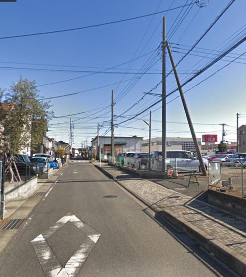 北側道路 おうちが建つ側に歩道が確保され安心◎ 落ち着いた住宅街で、小学校まで250mなのでお子様が通学しやすいですよ。