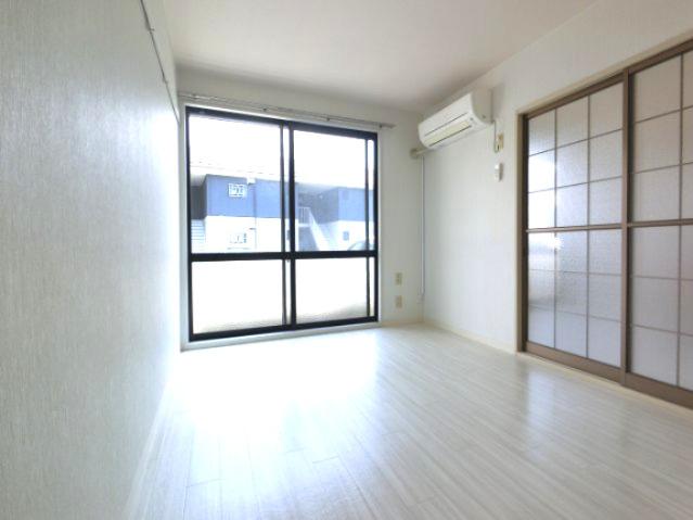 【居間・リビング】ラフォーレ 1番館